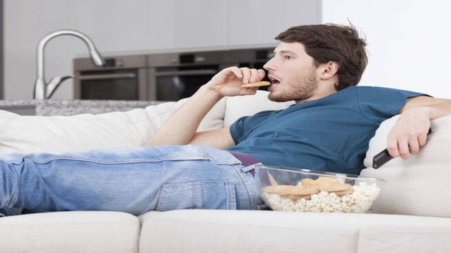 sedentario comiendo